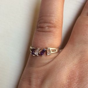 Jewelry - Purple and clear crystal ring